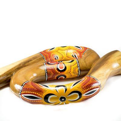 Podróżne didgeridoo w kształcie litery S w czerwono-żółtym wzorze