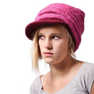 Różowy kapelusz Bhatti