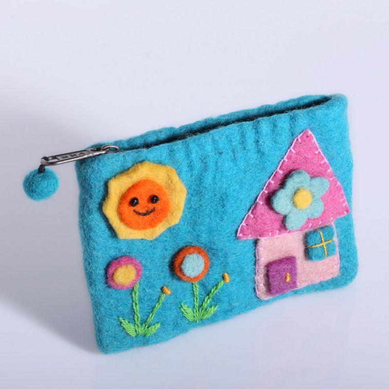 Filcowa torba z cyjanowym domkiem