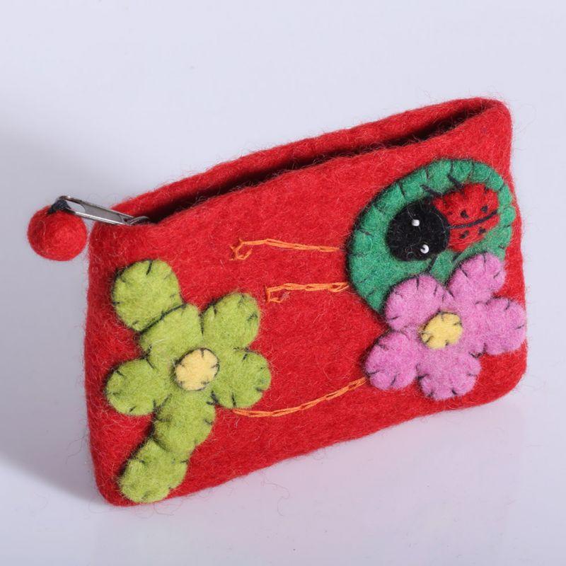 Filcowa torba z biedronką i kwiatami